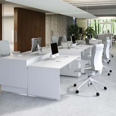 Quaranta 5 desk